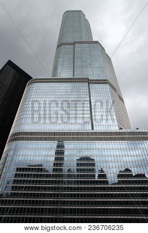 Chicago, Usa - June 26, 2013: Trump International Hotel And Tower In Chicago. It Is 423m Tall And Wa