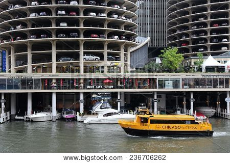 Chicago, Usa - June 26, 2013: People Ride Chicago Water Taxi In Chicago. Water Taxi Along Chicago Ri