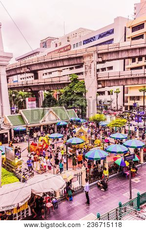 Bangkok, Thailand - July 11, 2017: People Are Paying Respect To The Erawan Shrine, Formally The Thao
