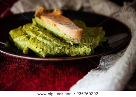 French cuisine Salmon mashed broccoli