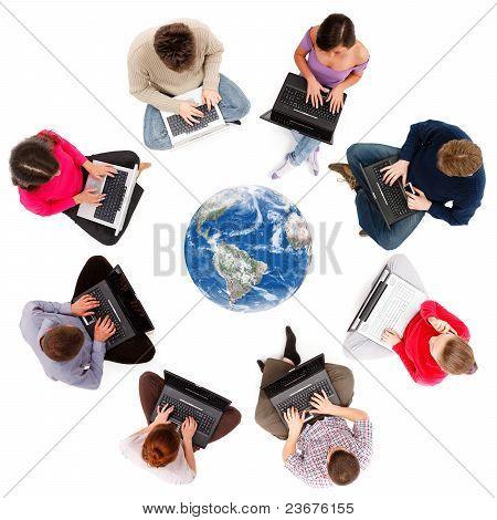 从上面看到的社会网络成员