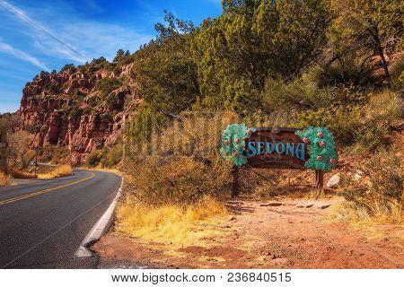 Sedona, Arizona, Usa - January 1, 2018 : Welcome Sign To Sedona And Road Leading To This Popular Tou