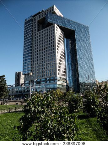 Russia. Moscow, September, 22.2017: Contemporary Skyscraper Of Business Center Golden Gate On The En