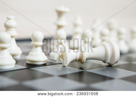Black And White Chess Setup On Dark Background . Leader And Teamwork Concept For Success And Strateg