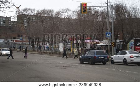 Kazakhstan, Ust-kamenogorsk - 18 April, 2018.  Pedestrians On The Crossing. City Street.
