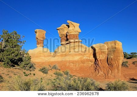 Hoodoos At Devil's Garden, Grand Staircase-escalante National Monument, Utah, United States