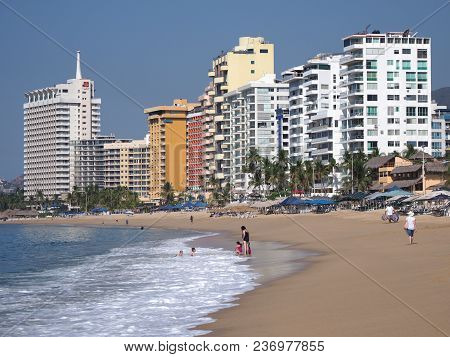 Acapulco, Mexico North America On March 2018: Scenery Of Sandy Beach Panorama At Bay Of City, White