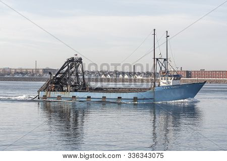 New Bedford, Massachusetts, Usa - November 26, 2019: Commercial Fishing Boat E.s.s. Pursuit, Hailing