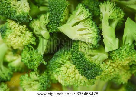 Vegetable Healthy Green Organic Raw Broccoli Florets Ready For Cooking Food / Close Up Slice Broccol