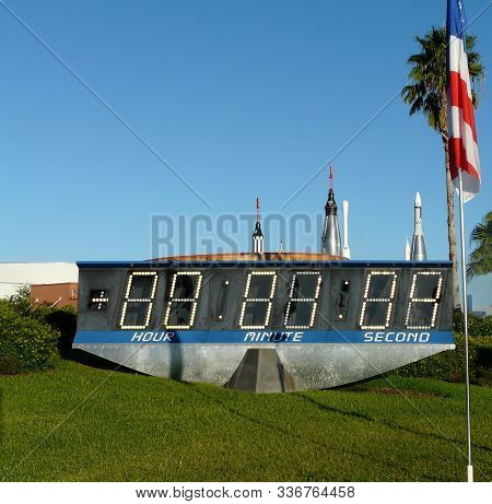 Merritt Island, Florida-october 31, 2019: The Countdown Clock At Kennedy Space Center Visitor Comple
