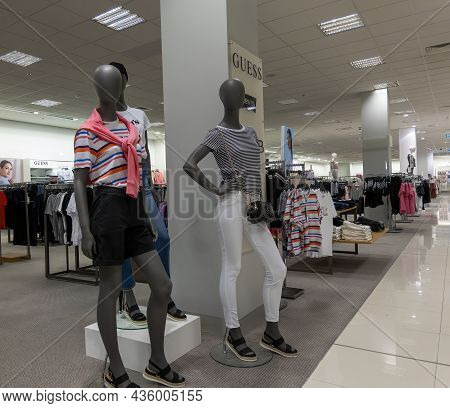 Mackay, Queensland, Australia - October 2021: Dummies Modeling The Latest Fashion Clothes In A Depar