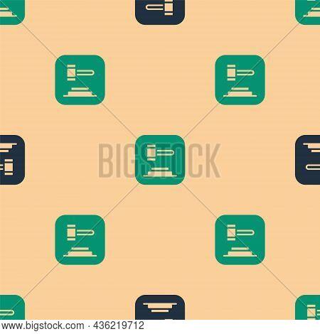 Green And Black Judge Gavel Icon Isolated Seamless Pattern On Beige Background. Gavel For Adjudicati