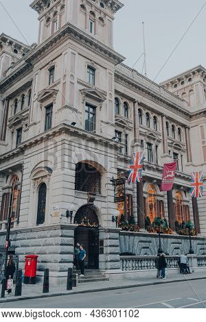 London, Uk - October 09, 2021: Exterior Of The Old Bank Of England Pub, A Mcmullens Pub Located On F
