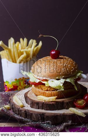 Juicy Mexican Burger, Hamburger Or Cheeseburger With One Chicken Patties, With Sauce,french Fries An