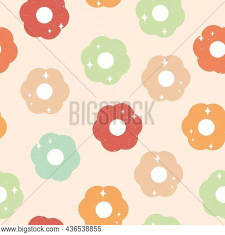 Vector 60s Inspired Sparkling Daisies With Retro Texture On Soft Beige Seamless Pattern Background D