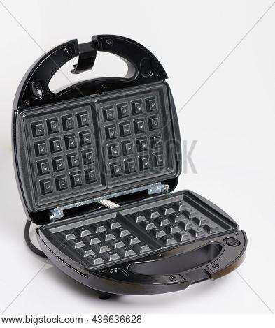 Black Open Waffle Maker Machine