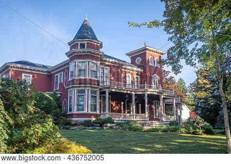 Bangor, Me - Usa - Oct. 12, 2021: Three Quarter View Of Stephen King's House. A Victorian Mansion, H