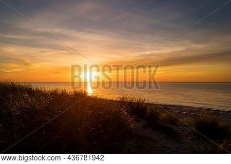 Sonnenuntergang Am Strand Von Ahrenshoop