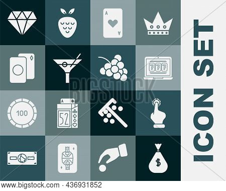 Set Money Bag, Hand Holding Casino Chips, Laptop Slot Machine, Playing Card With Heart, Martini Glas