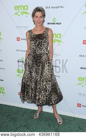 Wendie Malick at the Environmental Media Association (EMA) Awards Gala held at the GEARBOX LA in Los Angeles, USA on October 16, 2021.