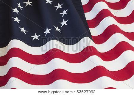 Bandera de Estados Unidos con trece estrellas