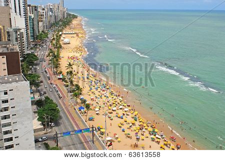 A view to the Recife city beach