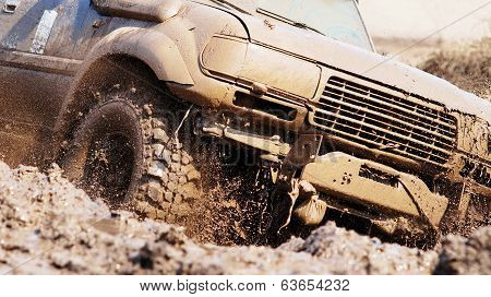 Extreme Driving An Suv.