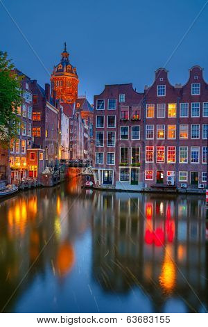 Nightview of Nicolaaskerk in Amsterdam