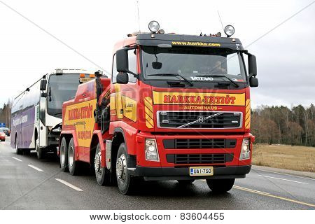 Volvo FH13 Heavy Duty Tow Truck Tows A Bus