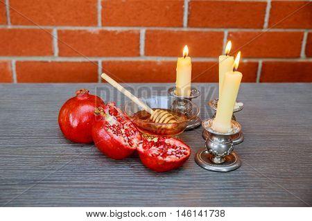 Rosh Hashanah Honey, Apple And Pomegranate