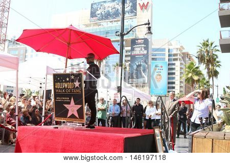 LOS ANGELES - SEP 7:  Usher Raymond at the Usher Honored With a Star On The Hollywood Walk Of Fame at the Eastown on September 7, 2016 in Los Angeles, CA
