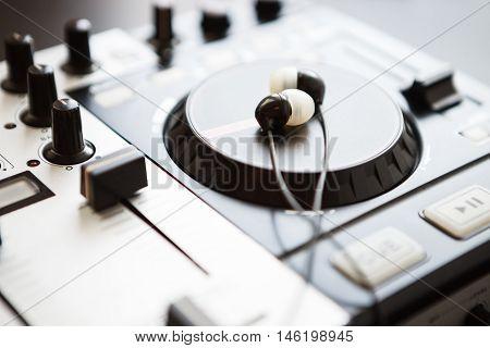 Professional Sound Mixing Dj Midi Controller Turntable