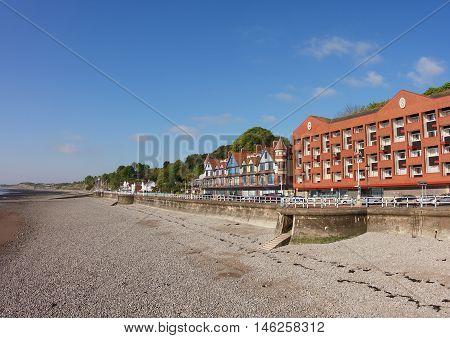 A view of the esplanade/promenade from the pier in Penarth.