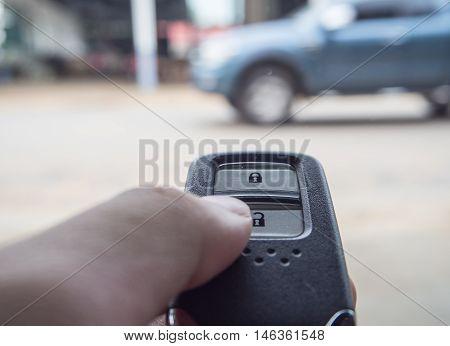 Unlock the car by modern remote key