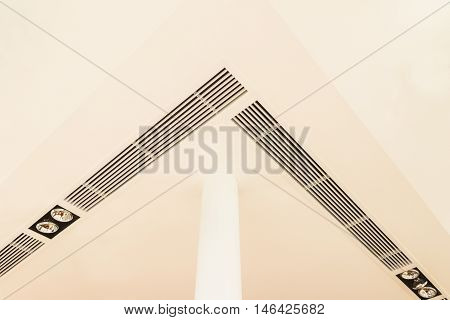 Construction details : round pillar lighting fixtures air grille complicated plastered board ceiling and speaker