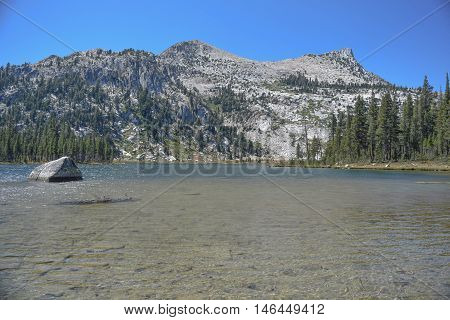 Beautiful Lake Elizabeth: lake Elizabeth with mountains in the background, Tuolomne Meadows, Yosemite National Park