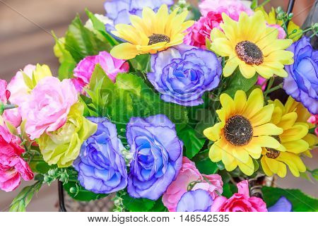 Artificial flowers for decorate the living room.