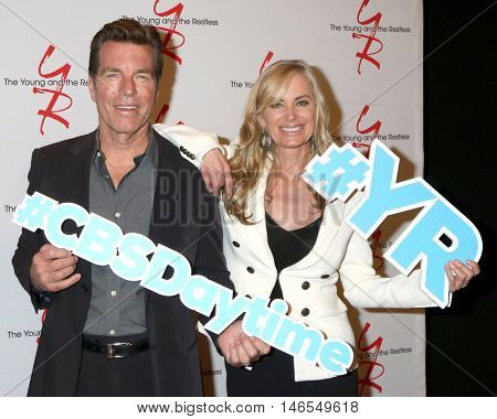 LOS ANGELES - SEP 8:  Peter Bergman, Eileen Davidson at the Young and The Resltless 11,000 Show Celebration at the CBS Television City on September 8, 2016 in Los Angeles, CA