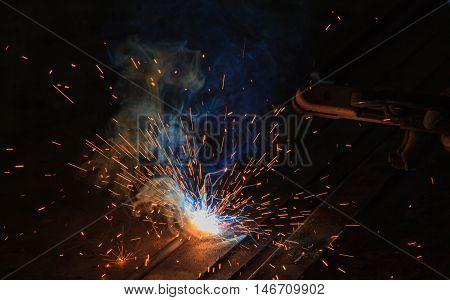 Arc welding and welding fumes of steel welding process.