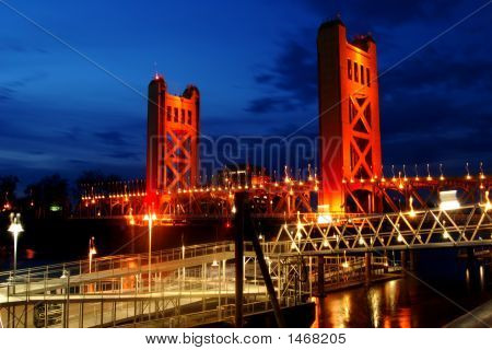 Tower Brigde Sacramento Ca