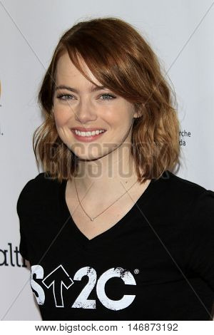 LOS ANGELES - SEP 9:  Emma Stone at the 5th Biennial Stand Up To Cancer at the Walt Disney Concert Hall on September 9, 2016 in Los Angeles, CA