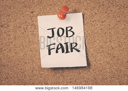 Job Fair note pin on the bulletin board