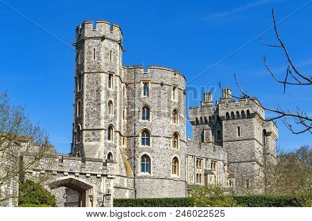 Windsor, Uk - April 2018: Edward Iii Tower At The Main Entrance To Windsor Castle, A Royal Residence