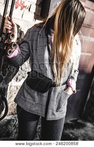 Fashion Young Woman Wearing Black Hat Checkered Coat Jacket Handbag A