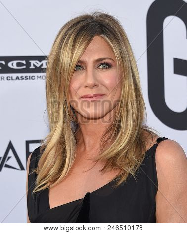 LOS ANGELES - JUN 07:  Jennifer Aniston arrives for the AFI Lifetime Achievement Awards to George Clooney on June 07, 2018 in Hollywood, CA