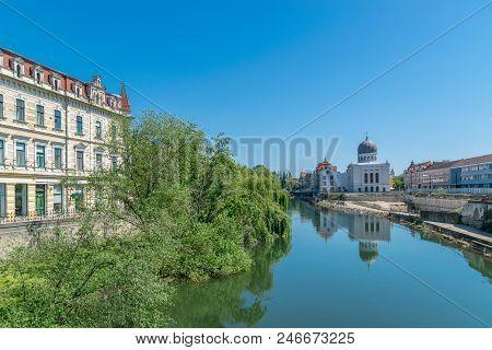 Crisul Repede River In The Center Of Oradea In Bihor County, Crisana, Romania And In Southeastern Hu