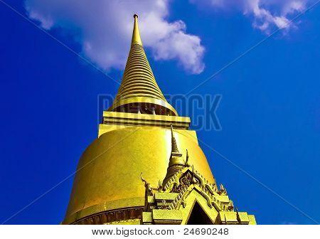 golden pagoda in Thailand