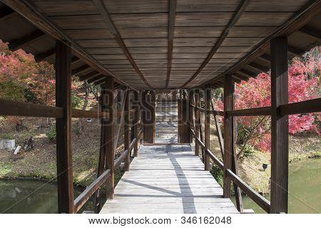 Kyoto, Japan- 27 Nov, 2019:  The Kangetsu-dai Bridge In The Garden (moon Viewing Pavilion) At Kodaij