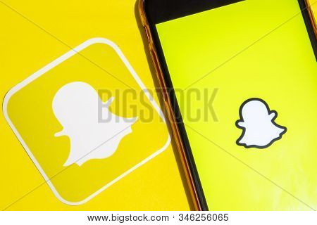Los Angeles, California, Usa - 22 January 2020: Snapchat App Logo And Phone With Icon Close Up On Ye