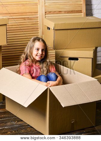 Delivery Service. Box Package And Storage. Small Child Prepare For Relocation. Big Storage Space. Re